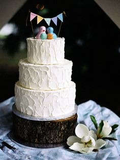 Southern weddings, Southern wedding ideas, Susan Dean, bunting wedding cake, bunting cake topper