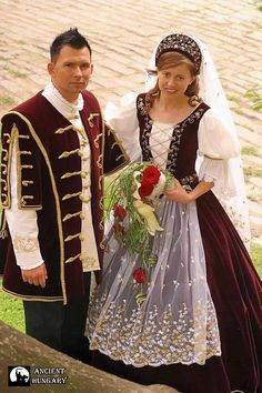 The Hungarian style is everlastingly beautiful! Traditional Wedding, Traditional Dresses, Hungary Travel, Costumes Around The World, Hungarian Embroidery, Arte Popular, Folk Costume, Historical Clothing, Wedding Gowns