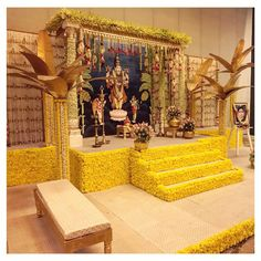 PC Fairytaleweddings India Decor for Pooja Desi Wedding Decor, Marriage Decoration, Wedding Decorations On A Budget, Flower Decorations, Wedding Mandap, Wedding Ideas, Backdrop Wedding, Diy Backdrop, Garland Wedding