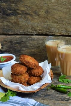 What's winter without some deep fried snacks?? :) Satisfy your hunger pangs and keep yourself warm with these chicken cutlets that have a crispy covering, and a flavorful and juicy inside. Perfect #WinterFood to have with some hot, kadak chai.