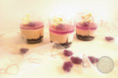 Mini tartas de queso y violetas. Receta. Violets mini cheesecakes. Recipe.