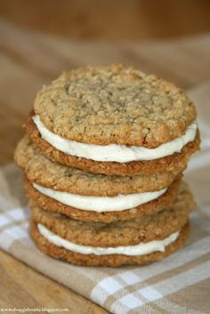 Shopgirl: Oatmeal Cookie Sandwiches with Cinnamon Cream Cheese Filling