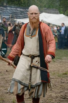This is a pic of me in my old viking rus trader outfit. Costume Viking, Viking Garb, Viking Reenactment, Viking Men, Viking Dress, Viking Life, Viking Warrior, Medieval Costume, Norse Clothing