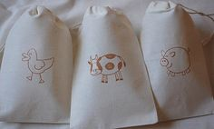 You will receive a set of 12 farm animal favor bags - duck, cow, pig of each shown). These organic muslin cotton favor bags are perfect for Farm Birthday, 2nd Birthday Parties, Birthday Ideas, Zoo Party Themes, Party Ideas, Pig Farming, Cowboy Party, Muslin Bags, Farm Party