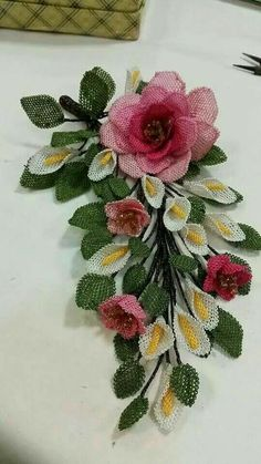 This Pin was discovered by Sel Seed Bead Flowers, French Beaded Flowers, Lace Flowers, Crochet Flowers, Ribbon Embroidery, Machine Embroidery, Point Lace, Needle Lace, Fabric Ribbon