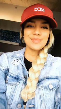 Karol G G Hair, Beautiful Latina, Urban Music, Country Songs, Social Platform, Hair Color, Idol, Celebrities, Outfits