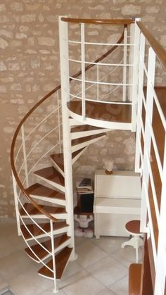Escalera caracol de madera y hierro escaleras pinterest staircases and - Escalier colimacon metal ...