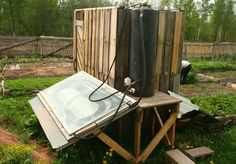 The Pallet Furniture are very important in those days because pallet wood can be changed our life. now, we share the Pallet Outdoor Shower Ideas with you. Solar Shower, Shower Tent, Pallet Furniture Designs, Homestead Survival, Diy Solar, Wood Pallets, Homesteading, Pallet Ideas, Pallet Projects