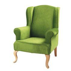 Nuestro sillone es verde como la cama y es muy confortable. Él está a la derecha de la puerta.