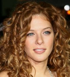 I am in love with her hair. Rachelle Lefevre.