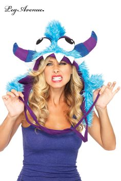 Capuche de gentil monstre déjanté! Les costumes et déguisements mais également certaines tenues ont parfois besoin de compléments et d'accessoires pour donner une touche encore plus fini et surtout captivante.  http://www.cybelelingeriedecharme.fr/173056:leg-avenue-capuche-rigolote-tete-de-monstre-peluche-bleue-avec-cornes-et-gros-yeux-cybele-lingerie-de-charme-marque-leg-avenue-creation-a1945.htm