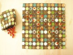 A simple, easy-to-make, portable board game for Fish Extender Go Board, Homemade Board Games, Game Presents, Purse Game, Candy Crush Saga, Water Balloons, Games To Play, Playing Games, Matching Games