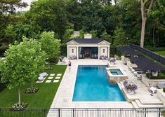 pool im garten Beautiful Swimming Pool Designs For Your Home Backyard Pool Landscaping, Backyard Pool Designs, Swimming Pools Backyard, Swimming Pool Designs, Modern Landscaping, Landscaping Ideas, Landscaping Shrubs, Luxury Swimming Pools, Lap Pools