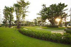 Landscape @ Habitia Orbit By Sansiri Dezeen Architecture, Landscape Architecture, Planting Shrubs, Hospital Design, Garden Landscaping, Golf Courses, Picnic, Villa, Urban
