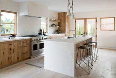 Amazing Scandinavian vibe kitchen Green Oak Residence – SIMO DESIGN