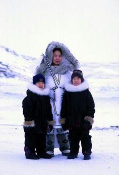 Inuit INUIT  ART / ALASKAN NATIVE PEOPLES ' ART / NORTHWESTERN ART / NATIVE CANADIANS' ART : More At FOSTERGINGER @ Pinterest