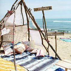 「Desejando acordar em um lugar assim amanhã!! Quem mais? #desejo #sonho #dream #love #praia #beach #instalove #referencia #cosi_home」