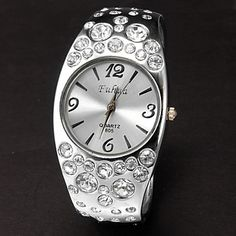 Vrouwen Ronde Dial Diamante legering band quartz analoog armband horloge (verschillende kleuren) – EUR € 6.43