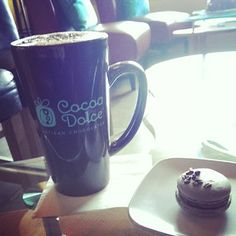 Is this a dream?? #heaven#cocoadolce#yum#delicious#macaron#mocha   - @jewall12 via Instagram