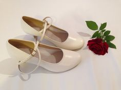 Ivory, Flats, Shoes, Fashion, Loafers & Slip Ons, Moda, Shoe, Shoes Outlet, Fashion Styles