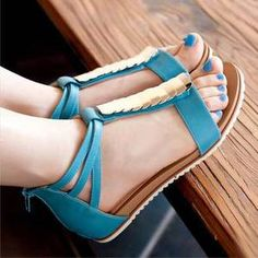 Image of [grdhjr2100017]Bohemian flat with fish mouth Roman sandals