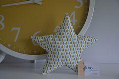 Coussin / doudou étoile tissu gouttes 30x30cm : Chambre d'enfant, de bébé par june-boutik
