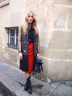 A pencil skirt in Paris?  Oui, sil vous plais!  ;)