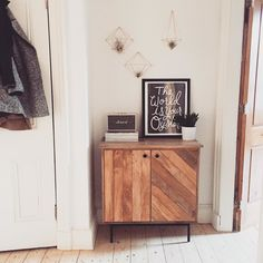 Love this cabinet! Also tiny Marshall speaker aw Entryway Cabinet, Apartment Entryway, Living Room Arrangements, Cool Apartments, Interior Design Inspiration, Home Bedroom, Decoration, Home And Living, Home Furniture