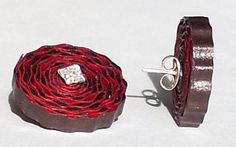 Quilling, Quilled pendant set  http://www.quilling.in/another-easy-quilled-pendant-set/