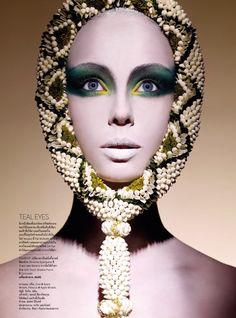 Vogue Thailand September 2014 | Patrycja Woźniak + More by Nat Prakobsantisuk
