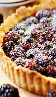 Blackberry Tart a delicious Summer berry dessert! - Blackberries - Ideas of Blackberries Blackberry Tart Recipes, Fruit Recipes, Sweet Recipes, Baking Recipes, Summer Dessert Recipes, Sweet Pie, Sweet Tarts, Pie Dessert, Just Desserts
