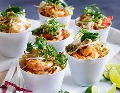 Das Rezept für Thailändisches Pad Thai mit Garnelen und weitere kostenlose Rezepte auf LECKER.de