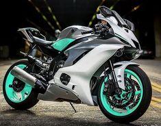 Yamaha - I Love Motorrad Ducati, Yamaha R6, Biker Chick, Biker Girl, 600 Honda, Kawasaki Bikes, Scooter Motorcycle, Motorcross Bike, Sportbikes