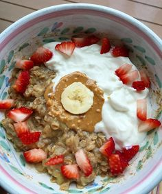 Breakfast this morning before track practice in the rain is banana oatmeal with plain Greek yogurt, Adams natural crunchy peanut butter, and strawberries👍🏼💦🍓🍌🌰#breakfast#running#fuel#prerunbreakfast#banana#oatmeal#strawberries#carbs#peanutbutter#chobani#greekyogurt#powerbowl#healthy#cleaneats#nutrition#balanced#musclebuilding#gains#eattorun#nutritious#athletic#fitspo#instafit#fitfoodie#athletesfuel