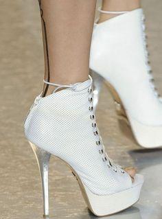 Bayan Topuklu Ayakkabı Modelleri - http://www.bayanlar.com.tr/bayan-topuklu-ayakkabi-modelleri/