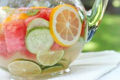 Refreshing DIY Vitamin Water - Refreshing, nourishing fruit and herb infused water - great for hydration Fruit Infused Water, Fruit Water, Fresh Fruit, Water Water, Healthy Detox, Healthy Drinks, Flavored Water Recipes, Agua Mineral, Summer Grilling Recipes
