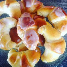 Vaniljehorn – Fru Haaland Fruit Salad, Plum, Baking, Food, Fruit Salads, Bakken, Essen, Meals, Backen