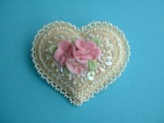 Felt Heart Pin / Heart Brooch от Beedeebabee на Etsy