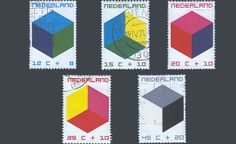 """De kinderpostzegels uit 1970 met de voorstelling """"Cubistische constructies"""". Ontwerp: W. Graatsma"""
