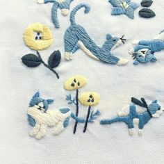 『猫だらけ』アップルミンツのもう一枚の刺繍。 ・ ・ #刺繍 #手刺繍 #ネコスタグラム #にゃんすたぐらむ #ニャンスタグラム #ネコ部 #ねこ部 #ねこら部 #ねこラブ #にゃんこ #ねこすたぐらむ #embroidery #embroidered #needlework #手芸 #ステッチ #stitching #刺しゅう #暮らしを楽しむ #ハンドメイド #자수 #вышивка #broderie #ししゅう #手作り #手芸 #ハンドメイド #刺繡 #ほっこり #刺繍部