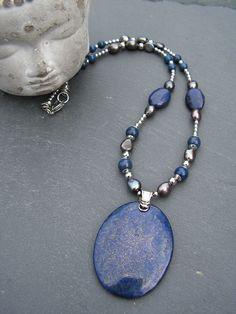 collier lapis lazuli et perles de culture akoya , entièrement en acier inoxydable pièce unique : Collier par lilicat