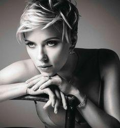 E que tal a inspiração P&B da Scarlett Johansson para a Elle França deste mês? Perfecta. #beautiful #scarlettjohansson #fashion #inspiration #ellefrance #march2017