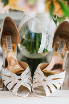 Sparkly shoes: http://www.stylemepretty.com/little-black-book-blog/2014/12/29/rustic-elegance-at-willowdale-estate/ | Photography: Erin McGinn - http://www.erinmcginn.com/