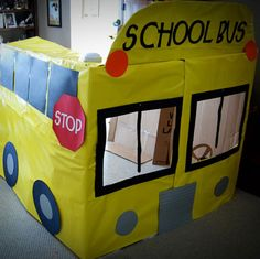 Got a big cardboard box? Make it into a school bus with some paper, markers and tape! School Bus Party, Back To School Party, Magic School Bus, School Parties, School Buses, School Week, Bus Crafts, Truck Crafts, Welcome To School