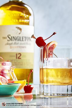 A fresh take on Old Fashioned, one of the most classic of cocktails. Pair with smoky spiced nuts on a chilly winter night. Refreshing Drinks, Summer Drinks, Cocktail Drinks, Cocktail Recipes, Alcoholic Drinks, Cocktails, Beverages, Whisky Single Malt, Legal Drinking Age