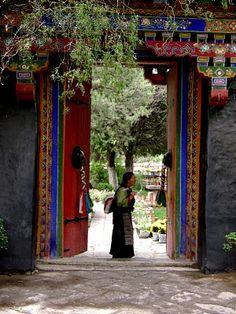 Norbulingka, the summer residence of the Dalai Lamas before Chinese occupation. Lhasa, Tibet