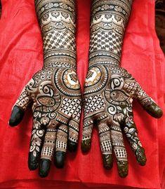 Full Mehndi Designs, Latest Bridal Mehndi Designs, Floral Henna Designs, Legs Mehndi Design, Henna Art Designs, Dulhan Mehndi Designs, Mehndi Designs For Fingers, Mehndi Design Photos, Beautiful Mehndi Design