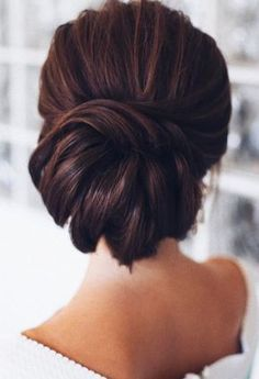 Featured Hairstyle: tonyastylist (Tonya Pushkareva) instagram.com/tonyastylist; Wedding hairstyle idea click to see more details