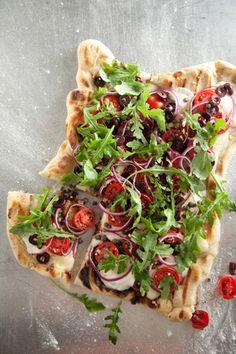 Grilled Veggie Pizza #quickandeasy #pauladeen