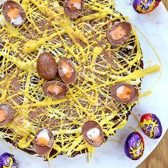 No Bake Creme Egg Biscuit Cake -